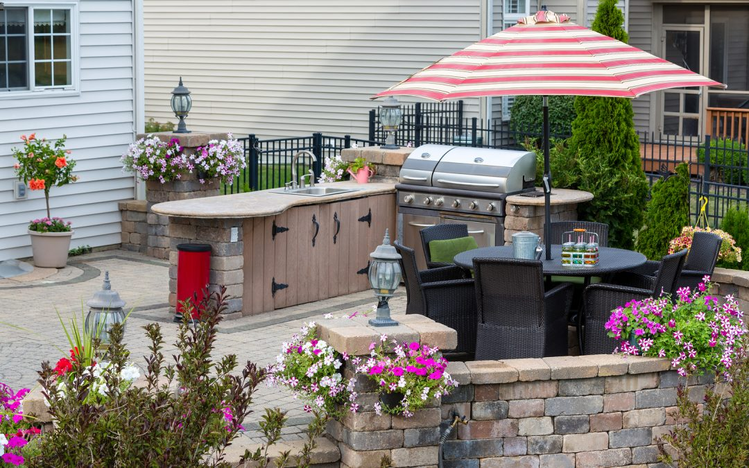 Outdoor Kitchen Design and Planning